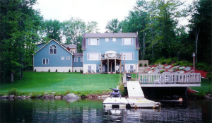 wonderful lake home rear view